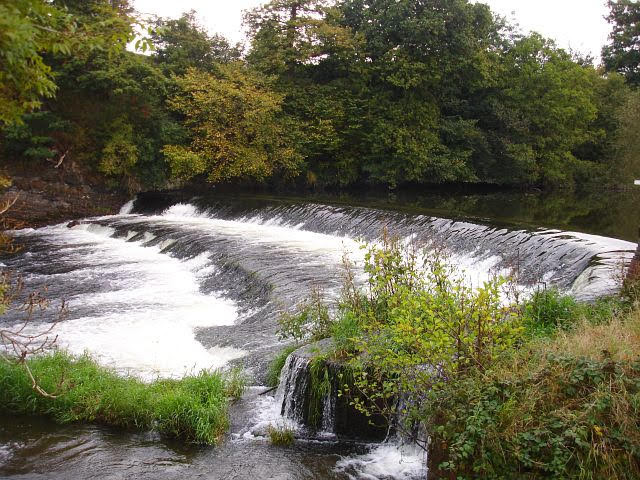 Don't go into the rivers or lakes, warns fire service