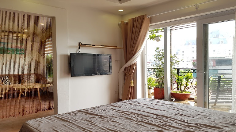 Nice 1 – bedroom apartment with big balcony in Ham Long street, Hoan Kiem district for rent