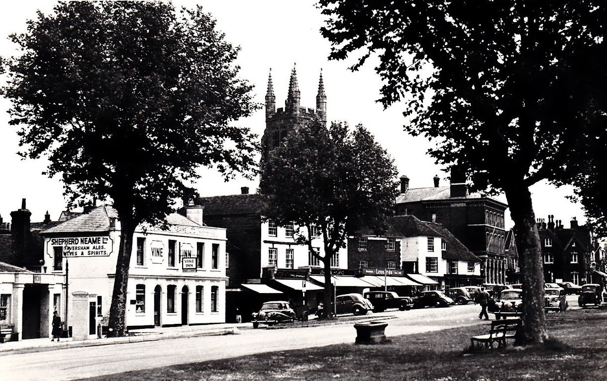 Water trough on the Greens in Tenterden High Street photo taken in the 1950s