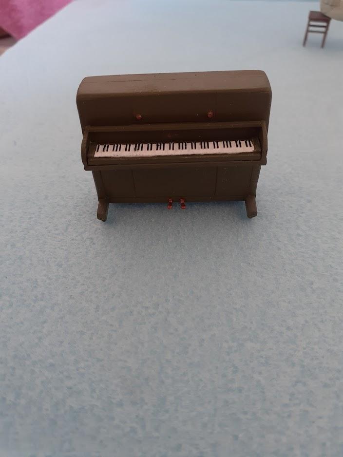 Piano Set Miniart ACtC-3dDospYUMA3CwcNqHkjRK5_fppnO5-L9C77dy9vldC99zYQB4ha6OpBSWldnGO5lfW9X6hME3RxmUpzD4CoVh99sD5Egd29Dm9xD7tFRv-ihmp6KhJnnawZ4WqI1bsJQ9kYZABARpFtqJIMa3fnPmhvJQ=w704-h938-no?authuser=0