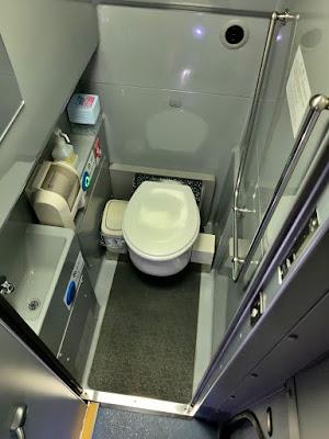 車内トイレの便器