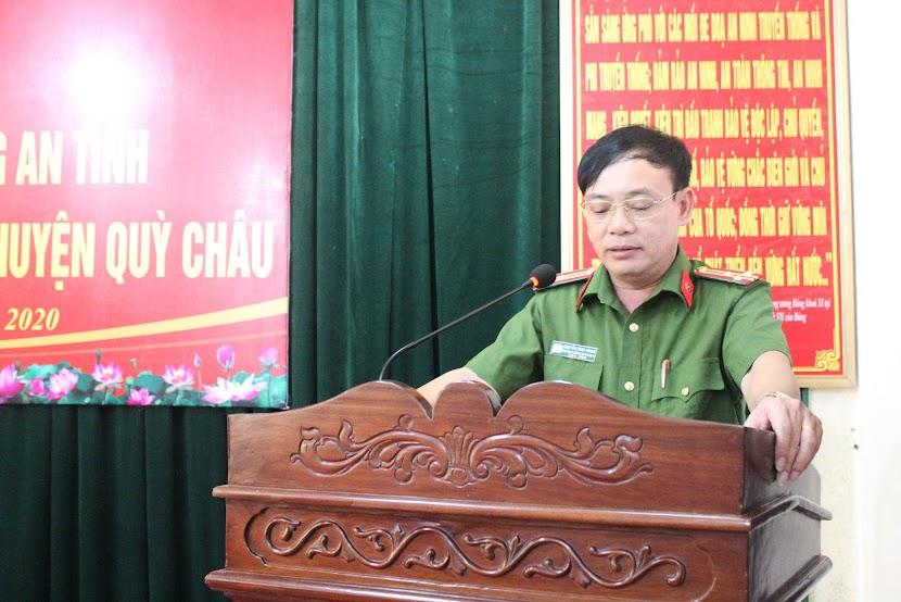 Đồng chí Thượng tá Nguyễn Đình Hùng - Trưởng Công an huyện Quỳ Châu báo cáo kết quả của đơn vị đã đạt được trong thời gian vừa qua.