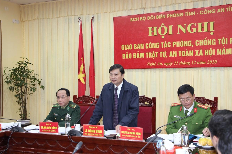 Đồng chí Lê Hồng Vinh – Phó Chủ tịch thường trực UBND tỉnh phát biểu tại Hội nghị