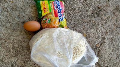 1 Bungkus Mie, 1 Butir Telur dan 1 Kg Beras Bantuan Bencana di NTT?