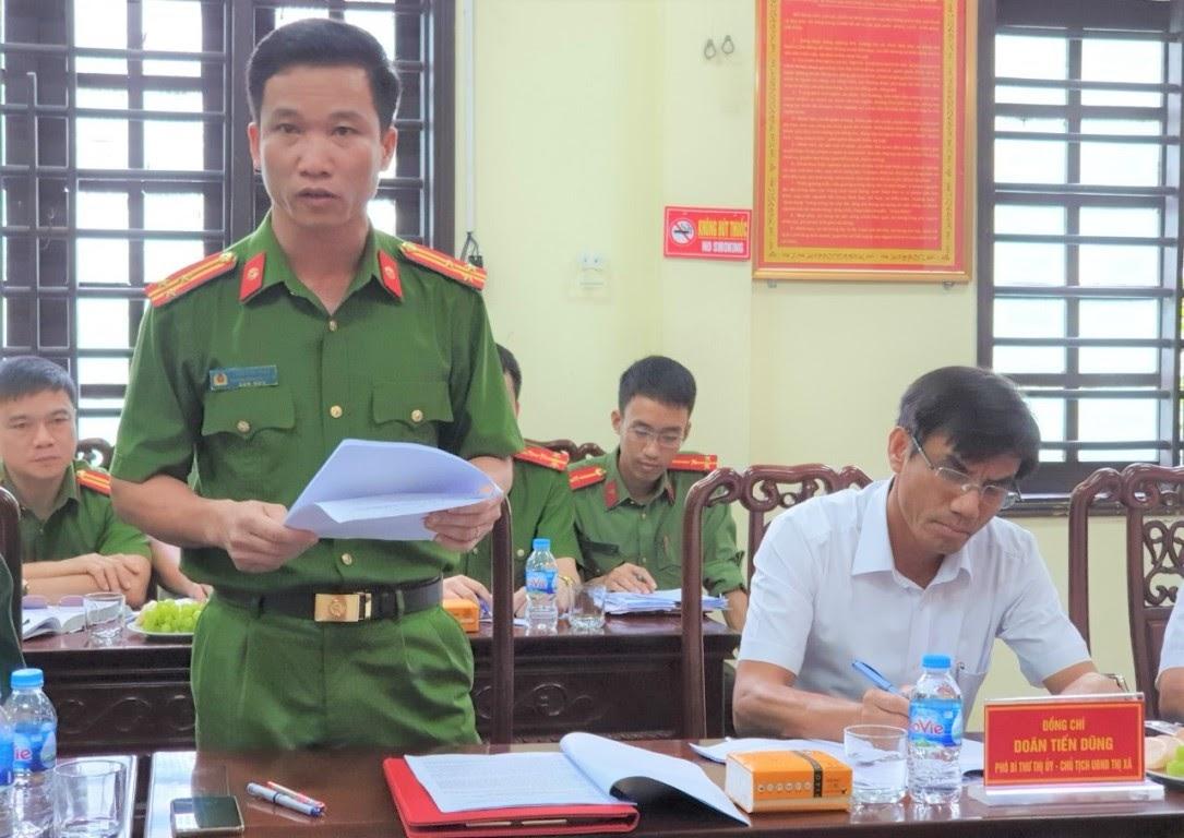 Đồng chí Thượng tá Trần Đức Thân – Trưởng Công an TX Cửa Lò báo cáo tình hình, kết quả của đơn vị trong 9 tháng đầu năm 2020