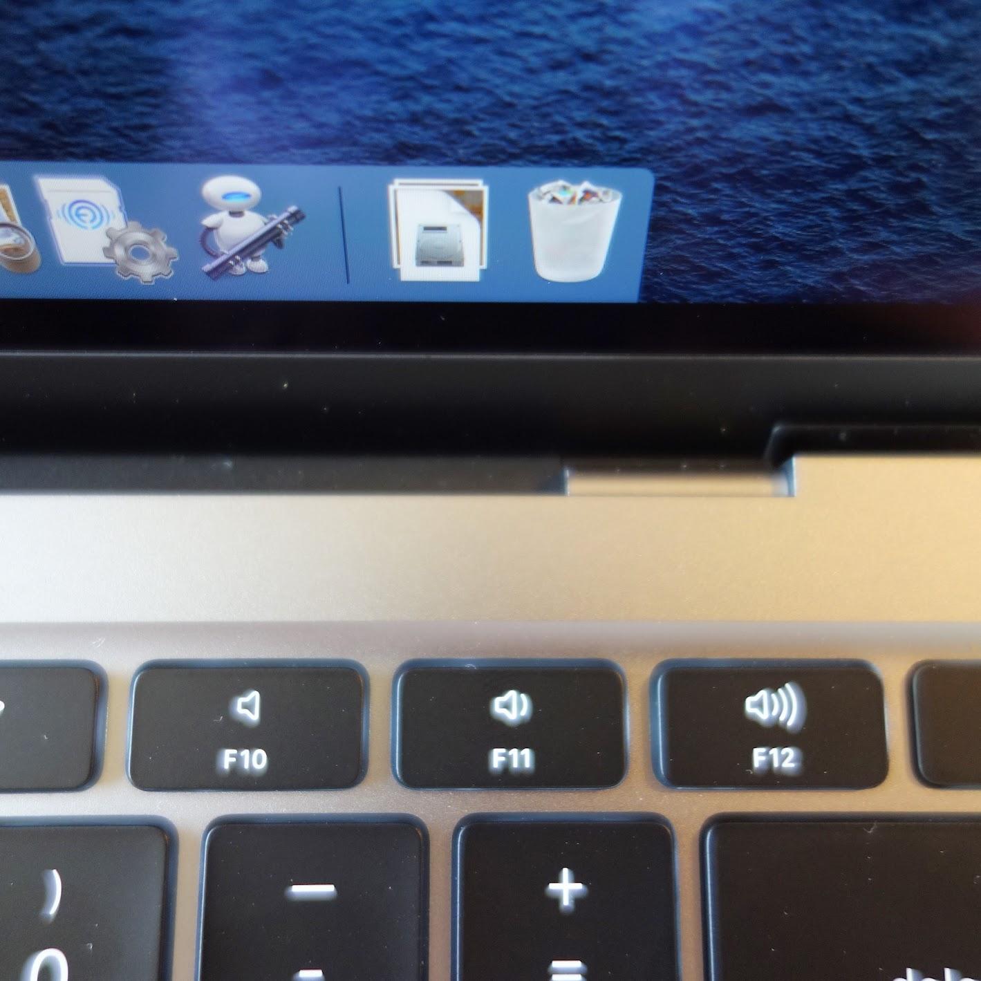 MacBook Airヒンジ