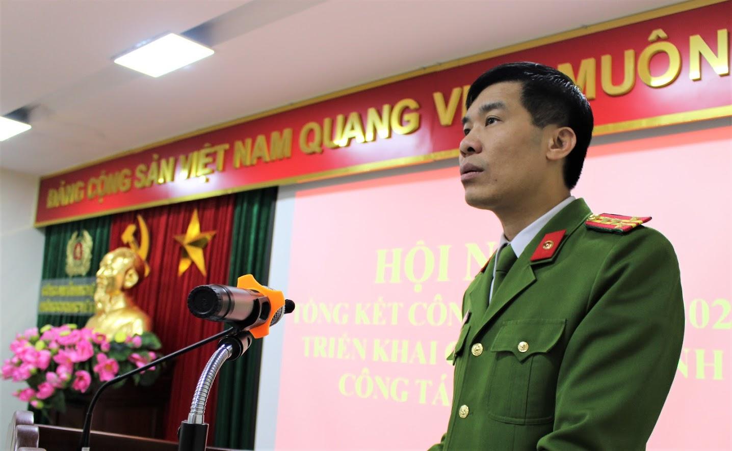 Đại tá Cao Minh Huyền, Phó Giám đốc Công an tỉnh phát biểu tại Hội nghị
