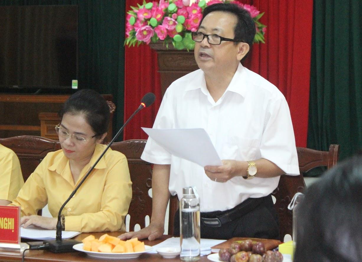 Đồng chí Trần Duy Ngoãn, Chủ tịch Hội Nhà báo tỉnh phát biểu tại buổi tọa đàm