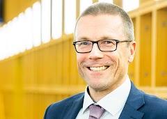 Porträt Uwe Schneidewind.