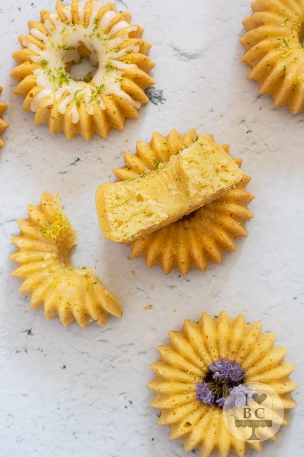 Mini Bundt Cakes de limón y lima