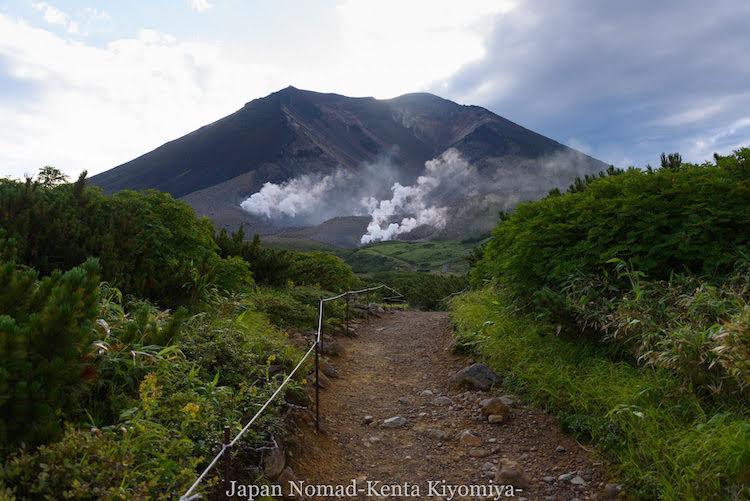 【大雪山~十勝連峰縦走】北海道最高峰「旭岳」から白雲岳キャンプ場へ
