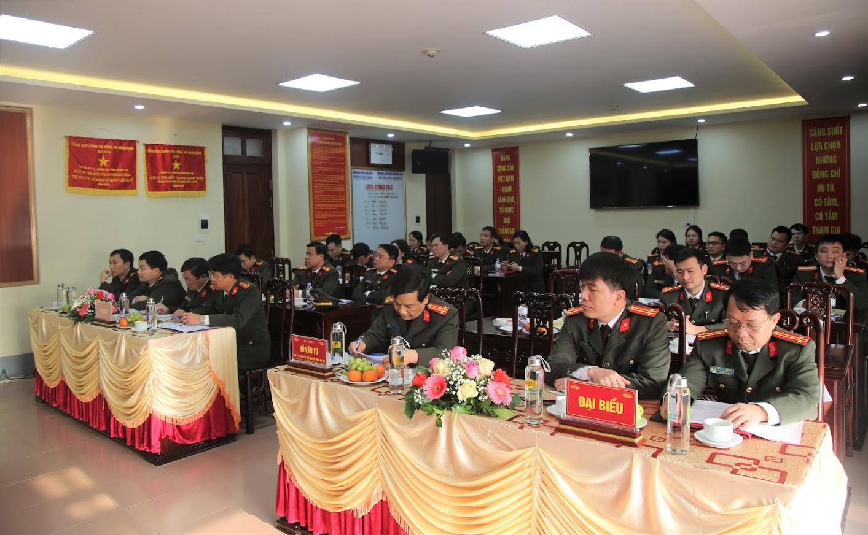 Các đại biểu và cán bộ chiến sỹ phòng Tổ chức cán bộ tại Hội nghị.