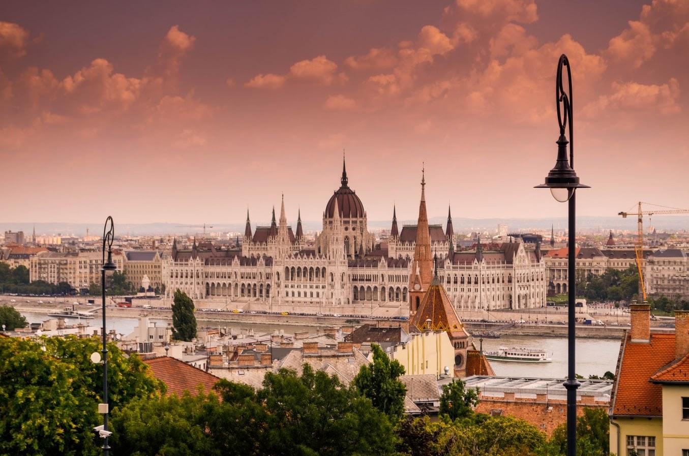 Những-điều-cần-biết-về-chính-sách-định-cư-Châu-âu-tại-Hungary