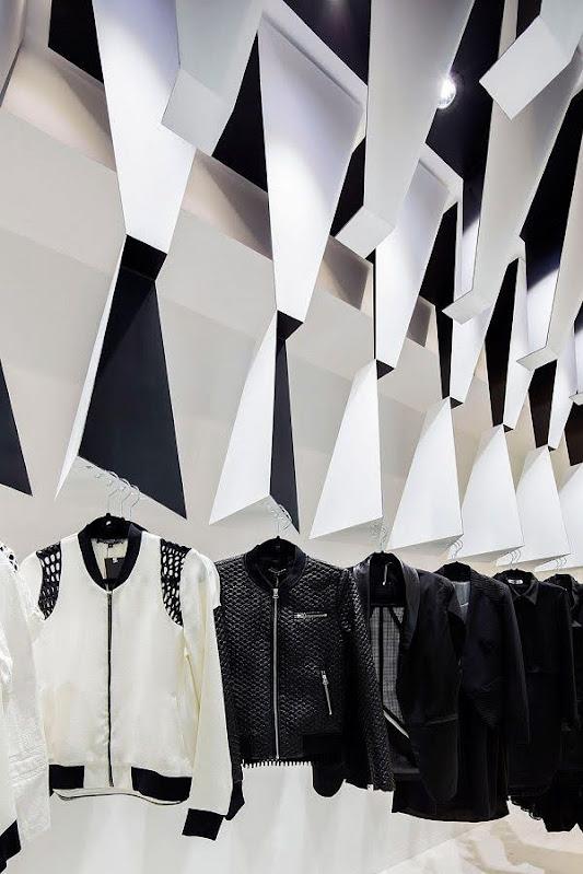 Trang trí shop quần áo