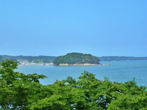 ホテル観洋から見た荒島