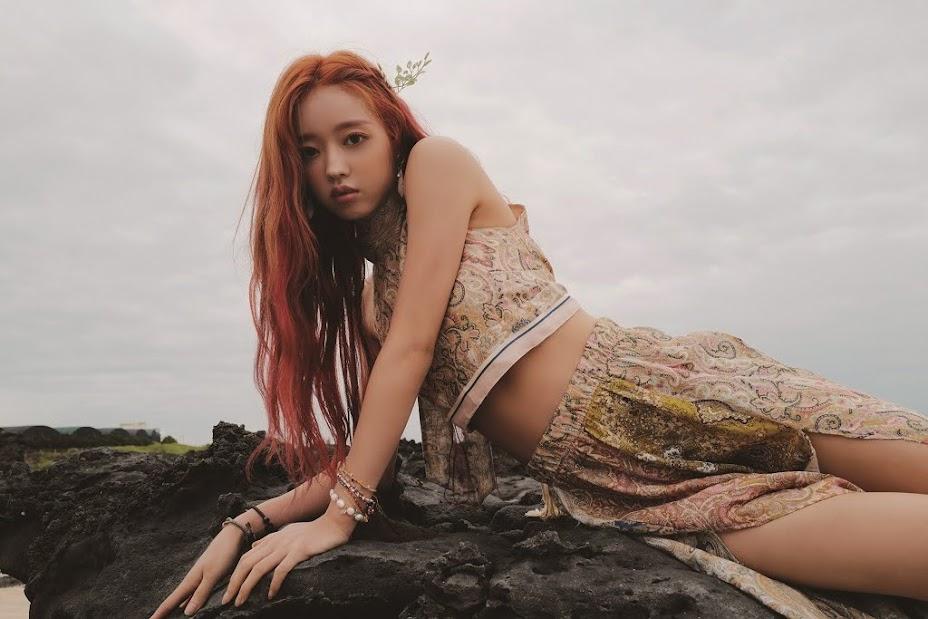 Oh My Girl  成員 YooA 以迷你專輯《Bon Voyage》正式SOLO出道!
