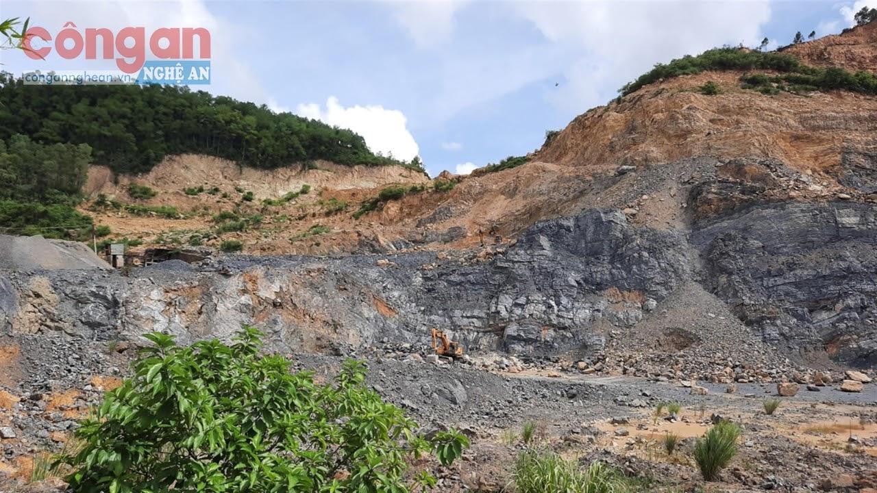 Mỏ đá lèn Hòn Riềng khai thác vượt ra ngoài phạm vi cấp phép