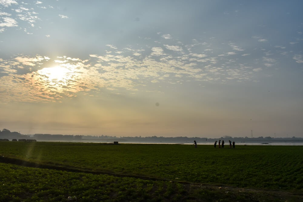 sunrise at mandalay u bein bridge.jpg
