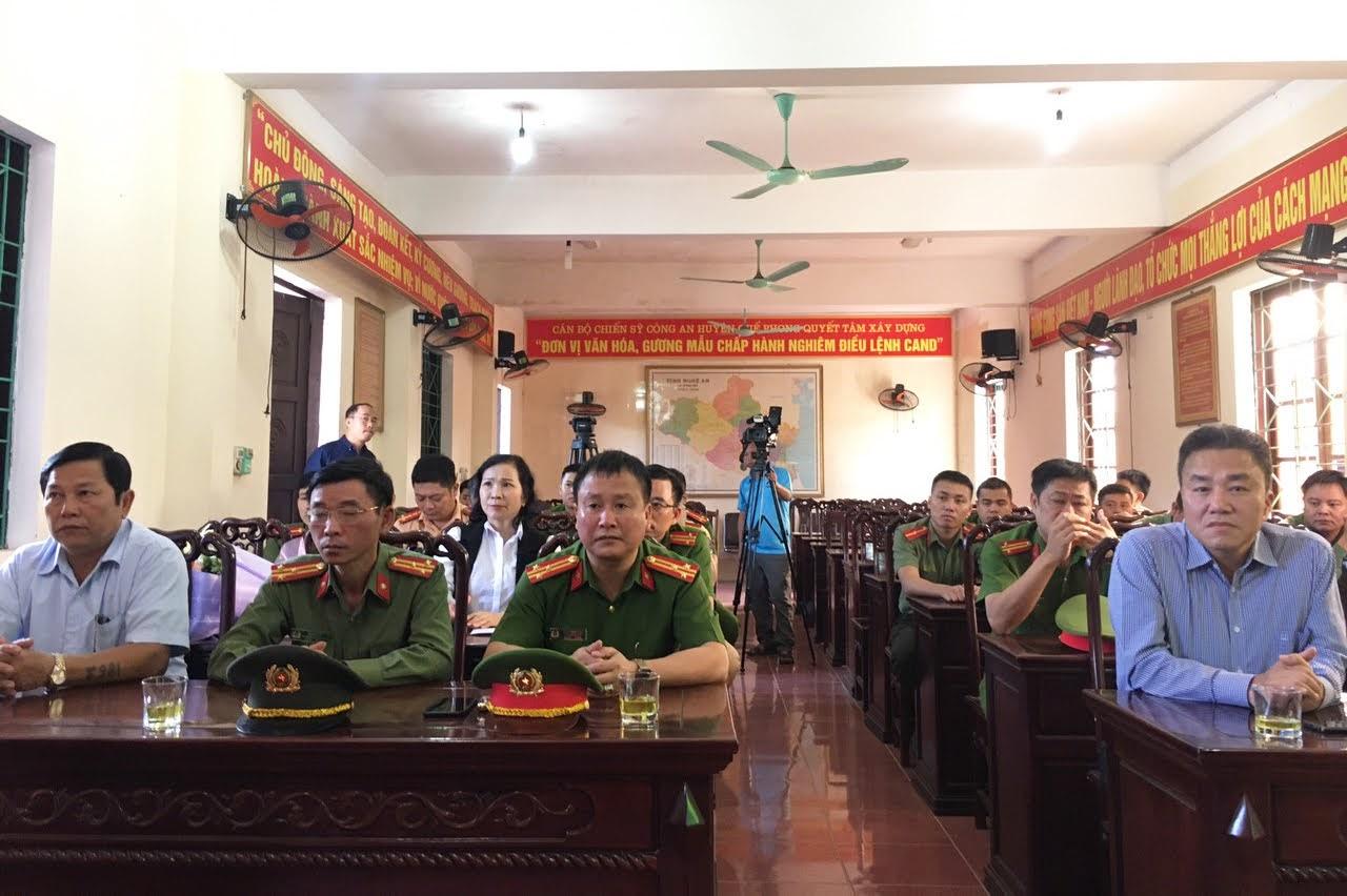 Các đại biểu tham dự lễ trao thưởng
