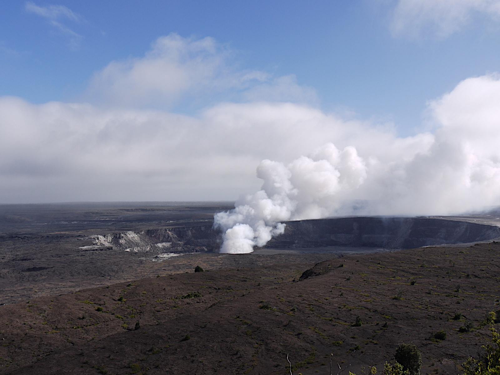 ミチヨ、ハワイへ行く④〜キラウエア火山とカラパナ