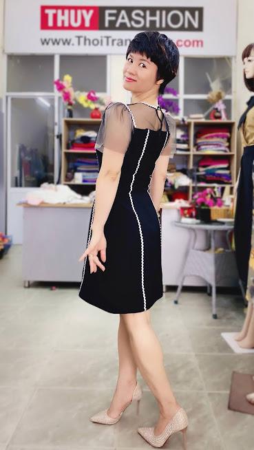 Làm eo thon và che bụng với váy xòe chữ A thời trang thủy 5