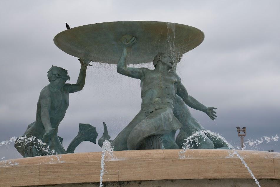 Рыцарские доспехи как средство от комаров. Мальтийский сентябрь 2019 г.