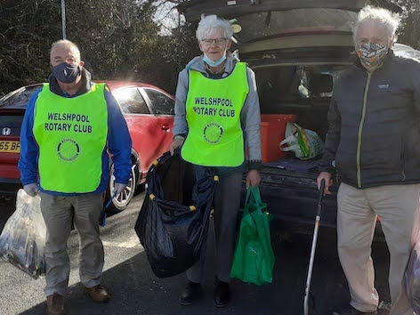 Rotarians clearing up