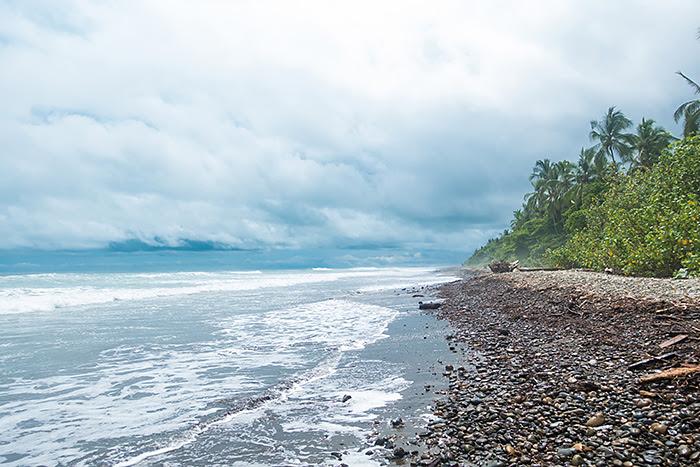 plaja Dominical Costa Rica