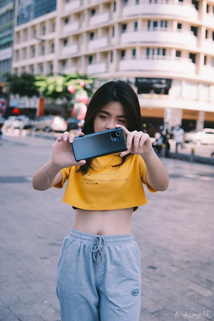 Xiaomi Mi 11 5G và Naady