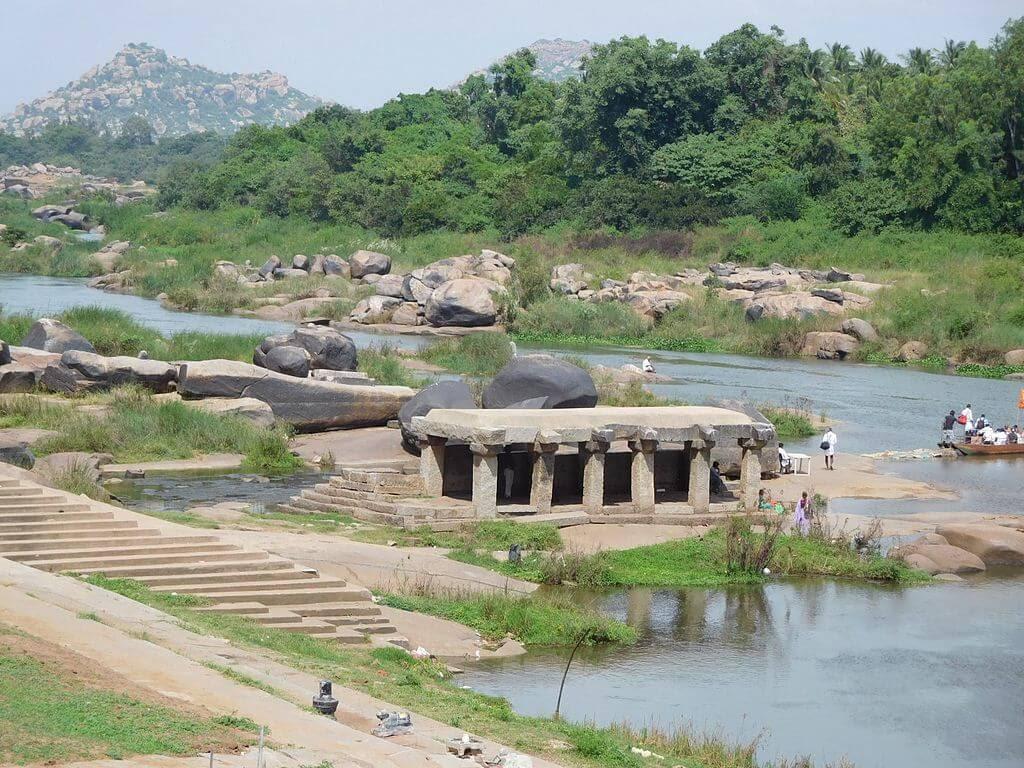 hampi photos riverside ruins.jpg