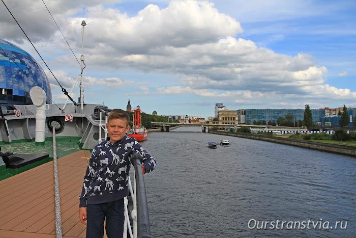 Экскурсия на НИС Витязь