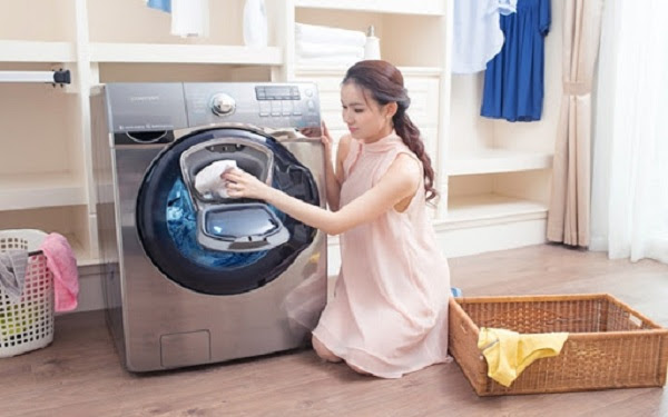 Bạn nên thường xuyên vệ sinh máy giặt.