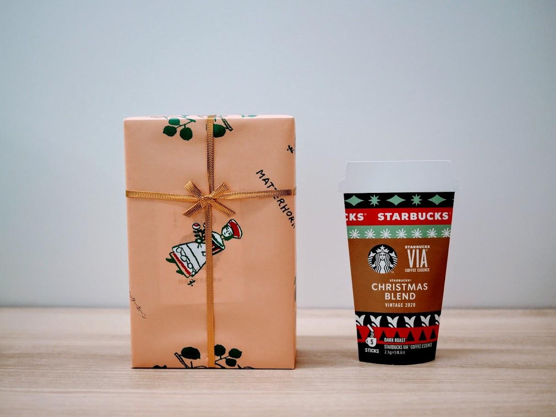 マッターホーンのクッキー缶とスタバのクリスマスブレンドのコーヒーセット