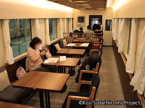 西鉄 6050形改造「THE RAIL KITCHEN CHIKUGO」 1号車車内_01