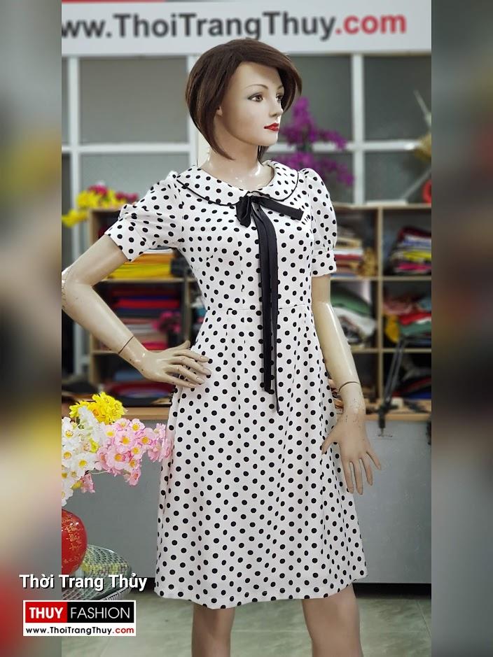 Váy xòe midi vải lụa chấm bi đen trắng dài qua gối V708 thời trang thủy đà nẵng