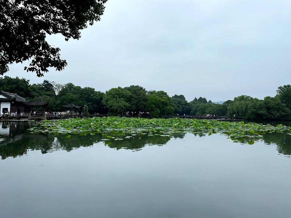 三潭印月岛中湖