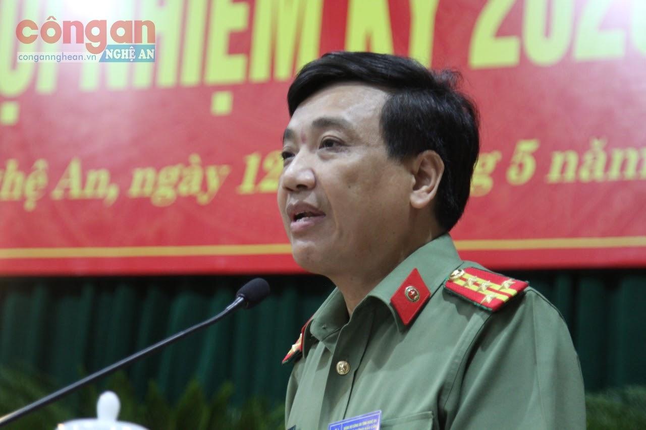 Đại tá Hồ Văn Tứ, Phó Bí thư Đảng ủy, Phó Giám đốc Công an tỉnh phát biểu chỉ đạo Đại hội