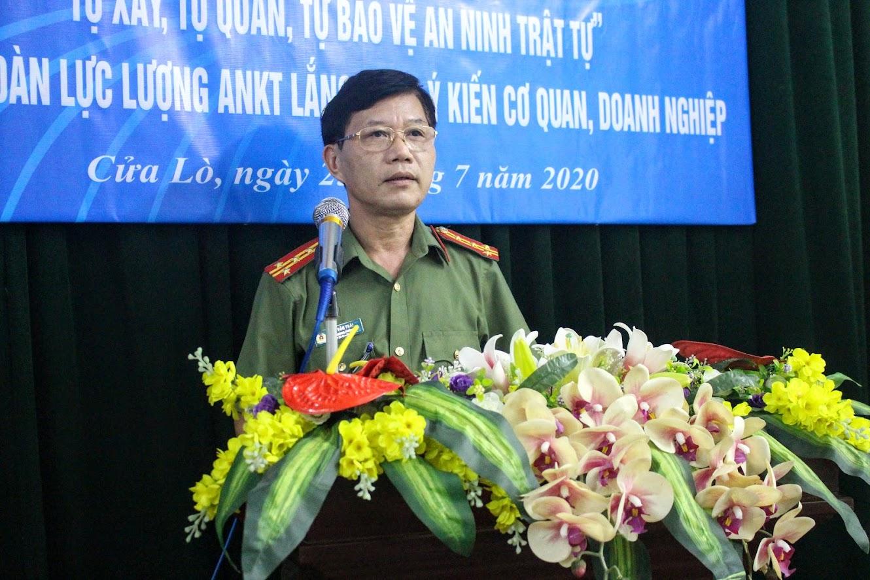 Đại tá Lê Văn Thái, Trưởng phòng An ninh Kinh tế phát biểu tại Hội nghị
