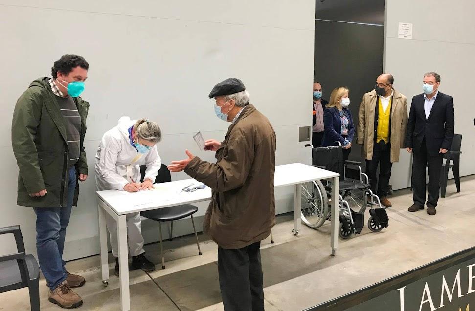 Centro de Vacinação de Lamego começou a receber os primeiros cidadãos