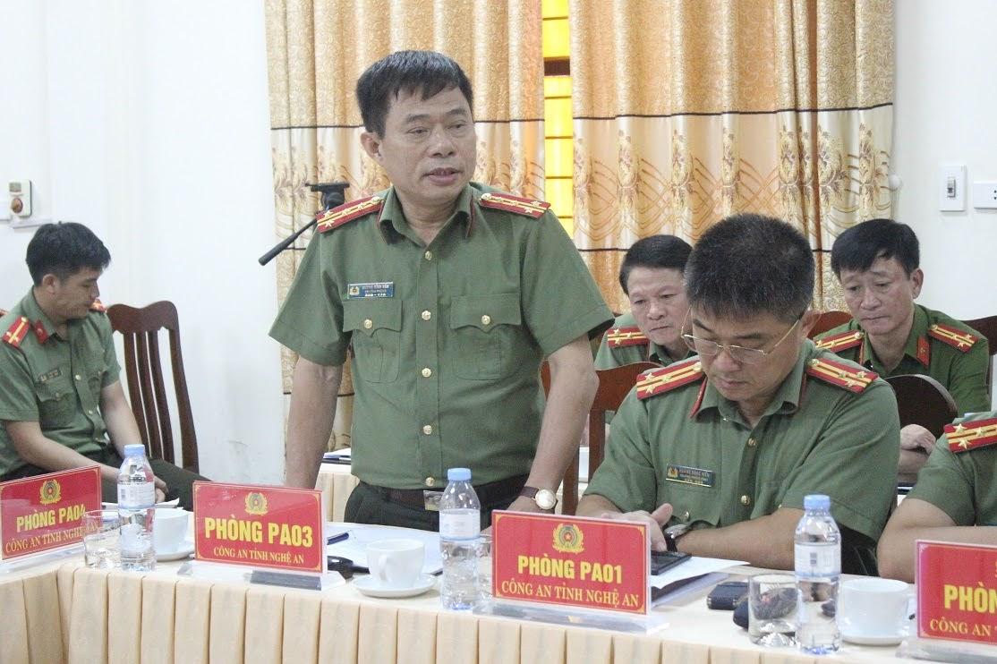 Lãnh đạo các phòng nghiệp vụ Công an tỉnh phát biểu tại buổi làm việc