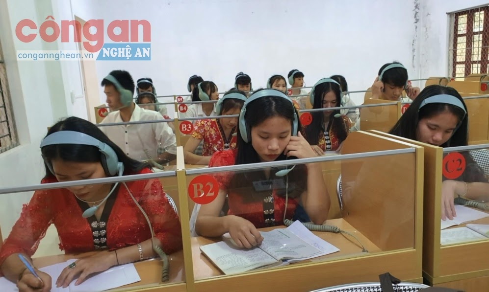 Giờ học ngoại ngữ của học sinh