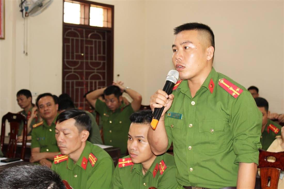 Hội nghị tiếp thu nhiều ý kiến phát biểu, đóng góp của các CBCS trong công  tác CCHC