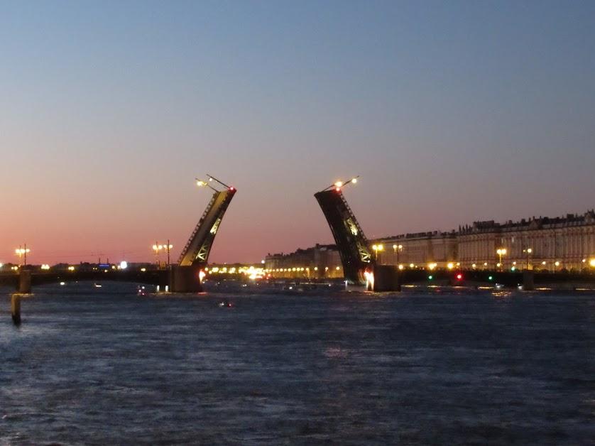 16. Дворцовый мост.