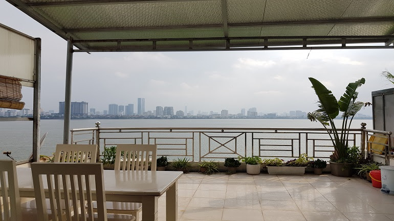 Big outdoor space 1 – bedroom apartment with lakeview in Yen Phu village, Tay Ho district for rent