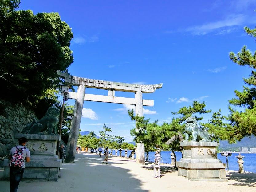 厳島神社石鳥居