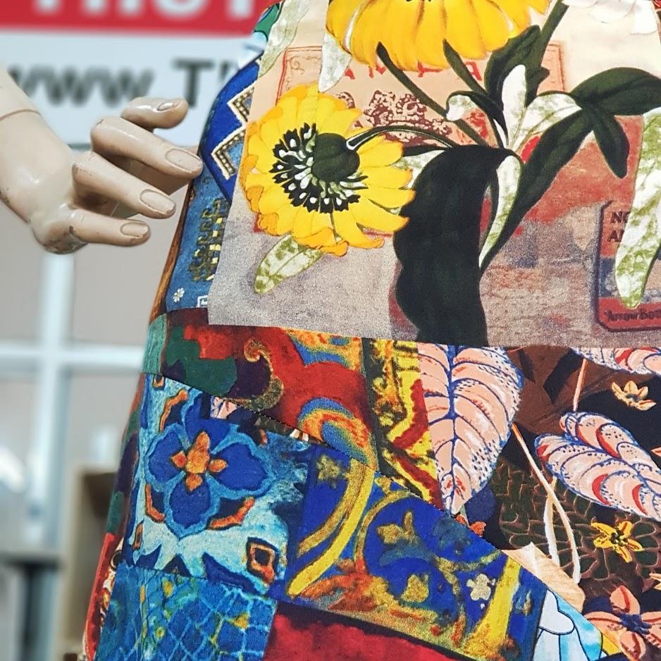 họa tiết vải hoa chân váy xòe vạt lệch dạo phố V714 thời trang thủy