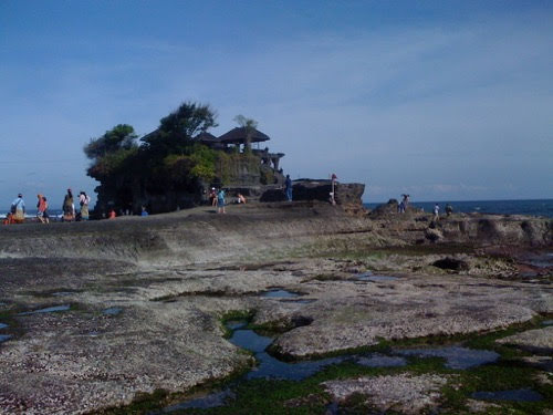 お寺 on the sea。【バリ島・タナロット寺院】