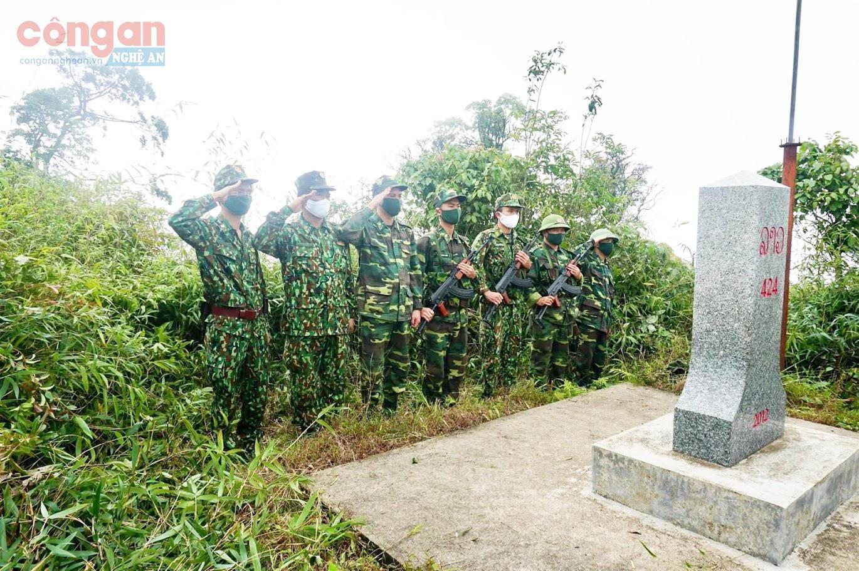 Đồn Biên phòng Nậm Càn, huyện Kỳ Sơn tổ chức tuần tra, kiểm tra, kiểm soát  bảo vệ đường biên giới và cột mốc quốc giới