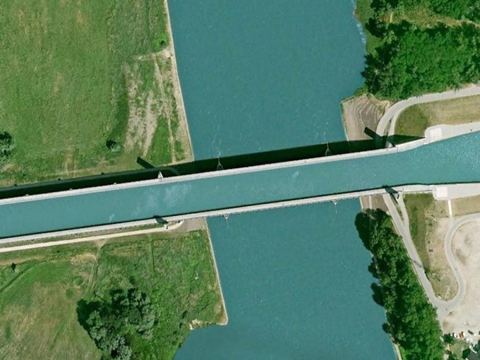 Ponte Aquífera de Magdeburgo, a maior ponte navegável do planeta
