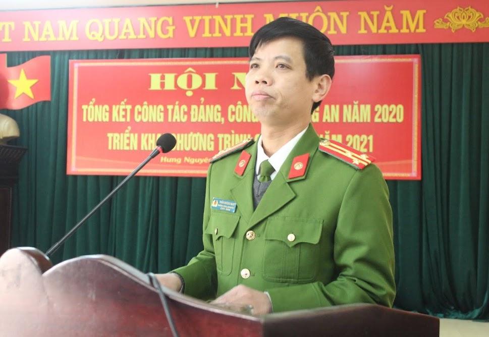Đồng chí Thượng tá Trần Hướng Nam, Trưởng Công an huyện Hưng Nguyên phát biểu tại Hội nghị